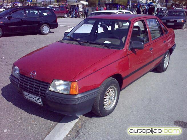http://dogpdismickfi.chez.com/images/cars6_139.jpg